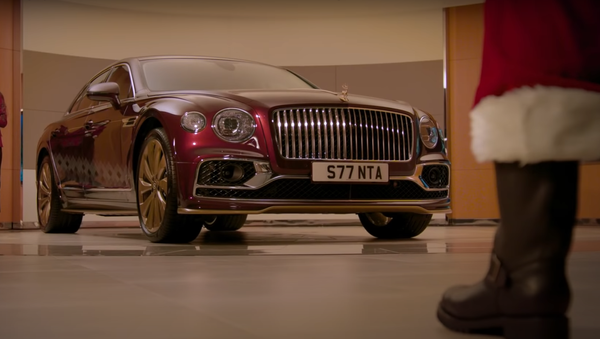 H Bentley Flying Spur V8 Reindeer Eight - Sputnik Ελλάδα