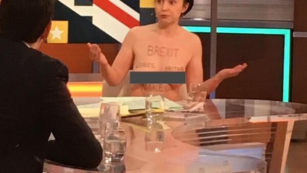Naked Brexit Protester Shares Her Way of Exposing the Truth About Brexit | Good Morning Britain - Sputnik Ελλάδα