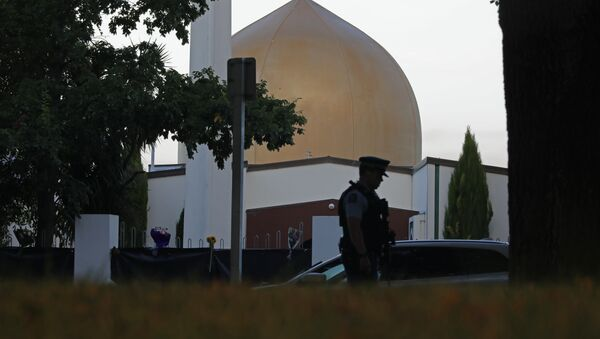 In this March 17, 2019, file photo, a police officer stands guard in front of the Al Noor mosque in Christchurch, New Zealand - Sputnik Ελλάδα